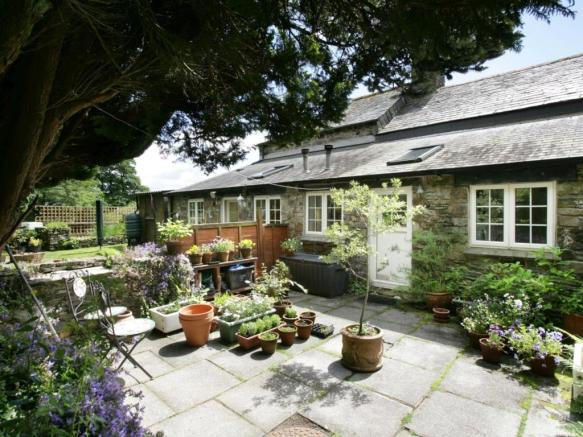 Rear Cottages