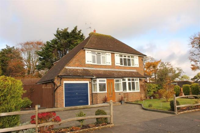 3 Bedroom Detached House For Sale In Pinewoods Bexhill On