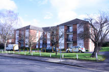 2 bedroom Flat in Sandy Lodge Court...