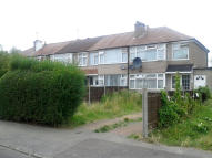 3 bedroom End of Terrace property to rent in Midhurst Gardens...