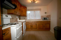 Flat to rent in Howards Close, Pinner...