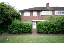 Ground Flat to rent in Harrowdene Road, Wembley...