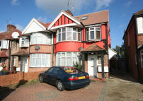 1 bed Ground Flat for sale in Kenton Road, Kenton...