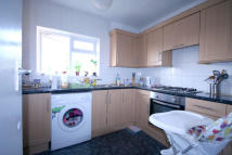 3 bed Flat to rent in Sutherland Court...