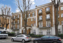 Flat to rent in Russell Road, London, W14