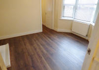 2 bed Flat in Nags Head Road, Enfield...