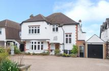 5 bed Detached home in The Ridgeway, EN6