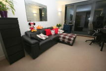 1 bed Apartment in Blackwall Way, London...