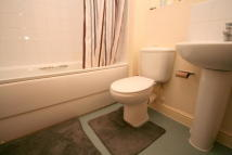 2 bed Flat to rent in Maltings Close, London...