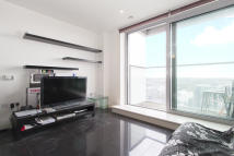 1 bedroom Flat in Pan Peninsula Square...