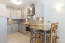 1 bed Flat to rent in Battle Bridge Lane...
