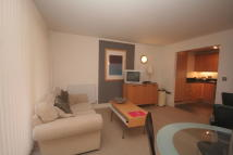 1 bed Flat to rent in Cassilis Road, London...