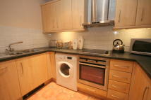 1 bed Flat in Basin Approach, London...