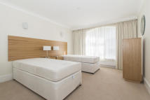 2 bedroom Flat to rent in BATTLE BRIDGE LANE...