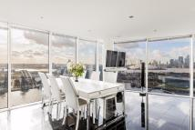 2 bedroom Flat in Western Gateway, London...