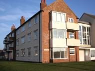 3 bedroom Ground Flat in Queens Court...