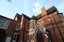 Flat to rent in Richmond Hill Road...