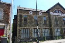 2 bed Flat in Osborne Road, Pontypool...