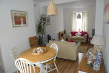 2 bedroom Terraced house to rent in Oxford Street...