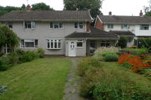 3 bed semi detached house in Worcester Close...