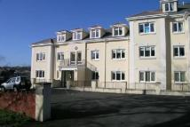 3 bedroom Flat in Regents Court...