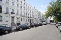 2 bed Flat to rent in Elgin Crescent, London...