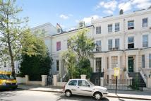 Flat to rent in Blenheim Crescent...