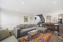 2 bed property to rent in Powis Gardens, London...