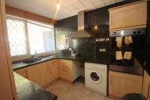 Apartment in Carnoustie Drive, N1