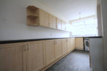 North Terraced property to rent