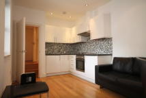 2 bed Apartment to rent in Chapel Market, London, N1