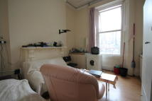 Studio apartment to rent in Inverness Terrace...