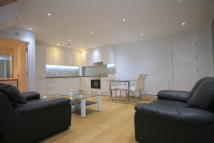Town House to rent in Weymouth Terrace...