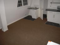 Studio flat in Pulteney Road, London...