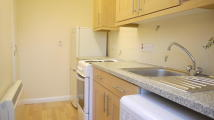 Flat to rent in Stapleford Road...