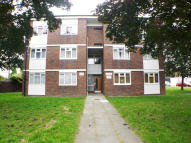 1 bed Ground Flat to rent in HALDON CLOSE, Chigwell...