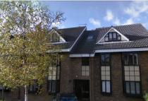 2 bed Flat to rent in HILLS ROAD...