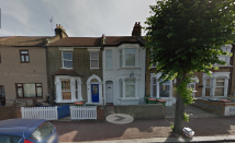 2 bed Ground Flat to rent in Meanley Road, London, E12