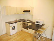 1 bed Flat to rent in High Street North...