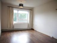 Flat in SYCAMORE CLOSE, London...