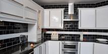 4 bed Terraced property for sale in Edinburgh Road, Plaistow...