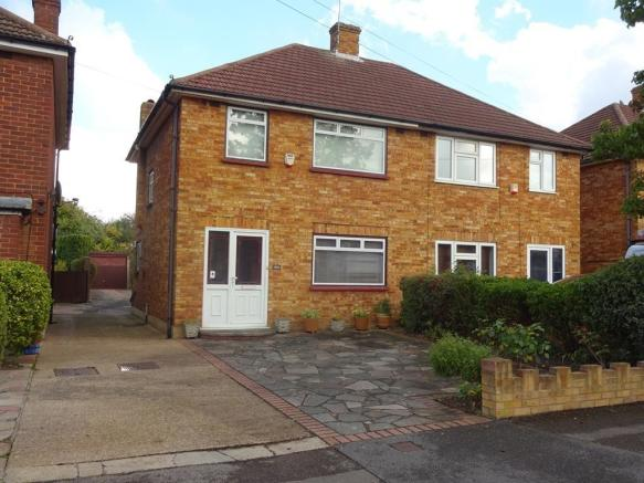 bedroom semi detached house for sale in grosvenor avenue hayes
