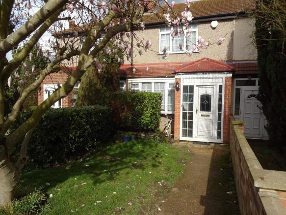 bedroom terraced house to rent in woodrow avenue hayes middlesex