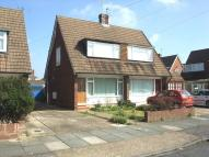 2 bed semi detached house to rent in Link Way...