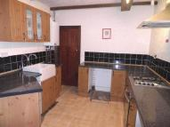 2 bedroom house to rent in High Road...