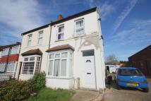 4 bed semi detached house in Southlands Road, Bromley...