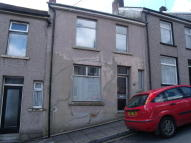 Terraced home to rent in Oakwood Street...