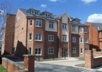 2 bed Flat to rent in Ladybrook Court...