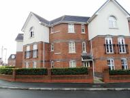 2 bed Flat in Cromwell Avenue, Reddish...