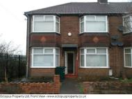 2 bedroom Flat to rent in Deanham Gardens...